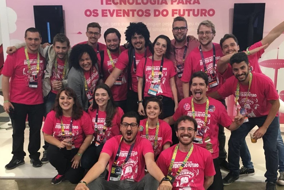 foto do time da mobLee em seu estande no RD Summit 2017